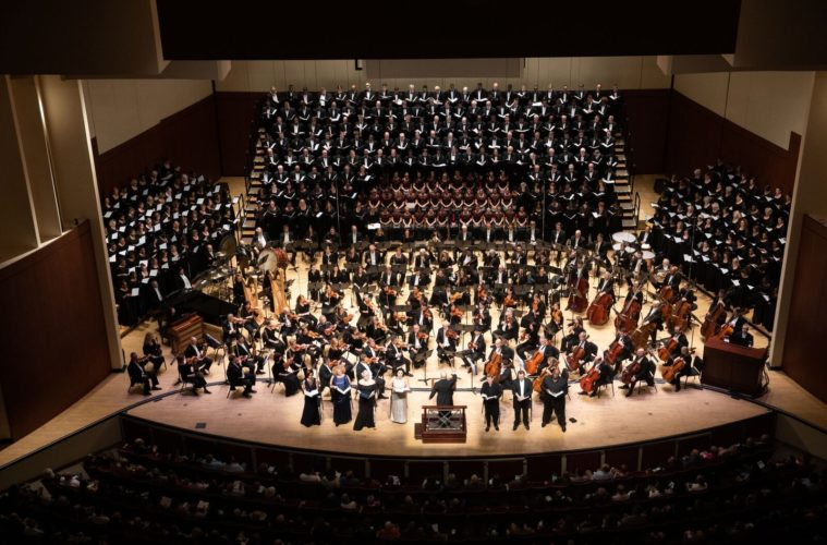 The Symphony Hall stage was crowded Thursday night for Mahler's Eighth with the ASO and Chorus, glee clubs of Morehouse and Spelman Colleges and the Gwinnett Young Singers. (Photos by Jeff Roffman)